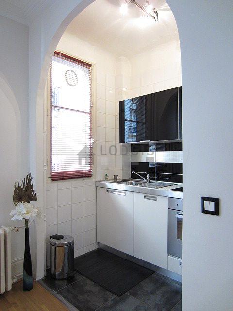 Location appartement meubl 1 chambre square gaston for Location meuble paris 17